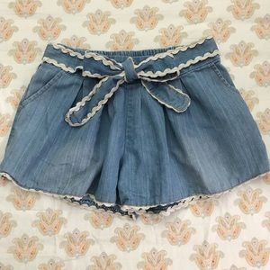 Adorable front tie chambray shorts
